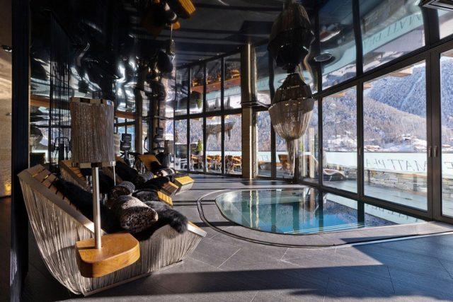 6-ти звездочный бутик-отель Chalet Zermatt Peak в горах Швейцарии