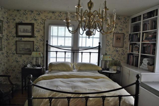 Солидный дизайн спальни в английском стиле: сочетание роскоши, уюта и комфорта