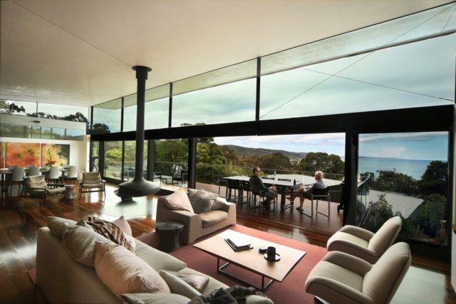 Двухуровневая резиденция на берегу океана