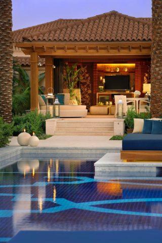 Богатейший отель на острове Пальма Джумейра