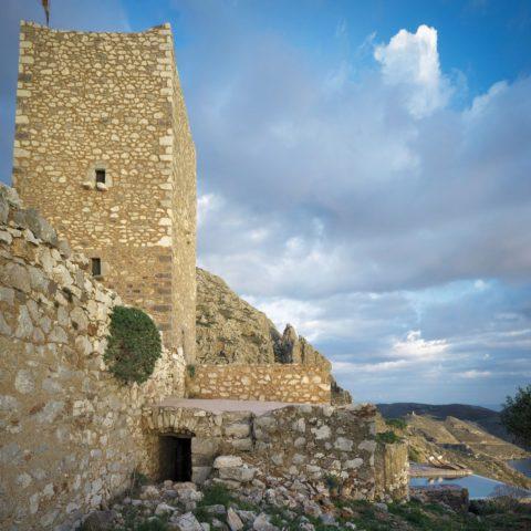 Шикарный Отель-крепость Tainaron Blue Retreat для отдыха