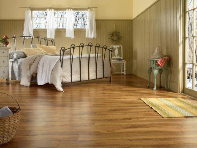 Ламинат для спальни: какой выбрать и как правильно положить + фото в интерьере