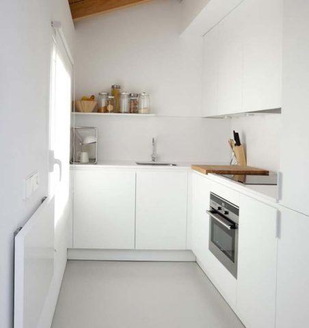 Дизайн кухни в стиле хай-тек: ультрасовременный и строгий интерьер