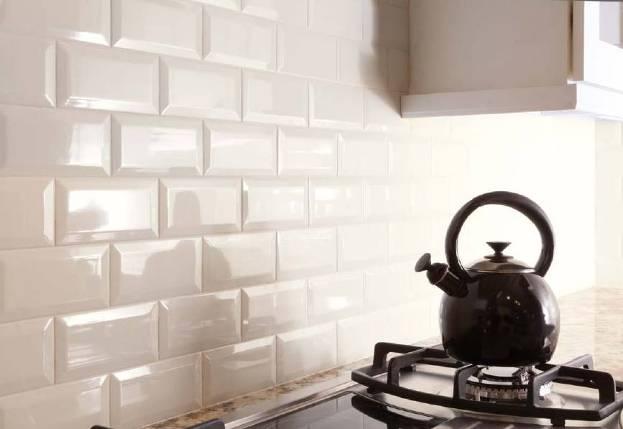 Плитка в испанском стиле для кухни: правила выбора + советы по укладке