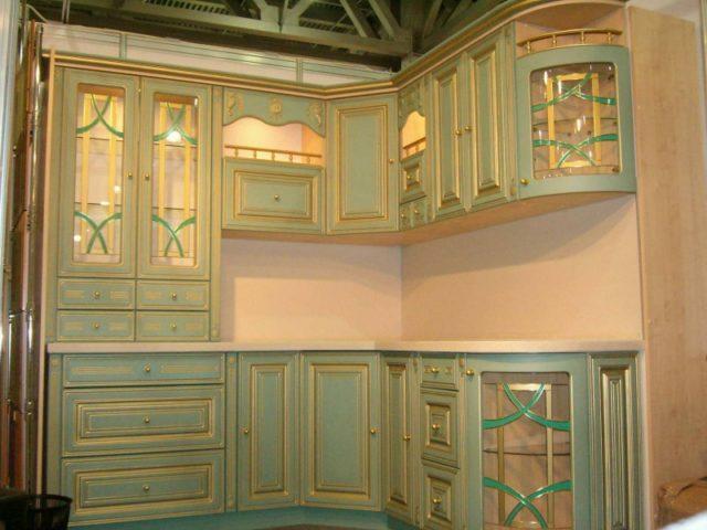 Кухня в классическом стиле с патиной: эффект старины в интерьере
