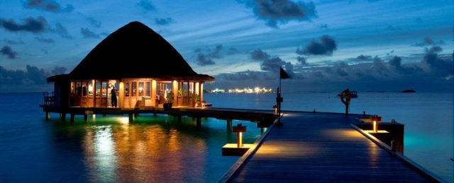 Райский Angsana Velavaru на Мальдивах