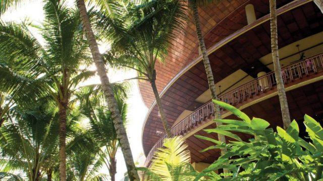 Отель Four Seasons в самых тропиках Бали