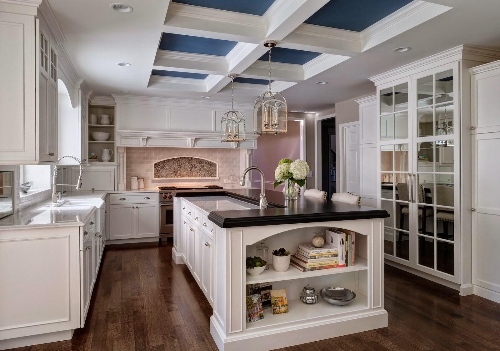 Панель для бело коричневой кухни фото