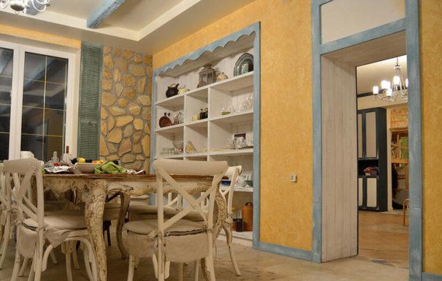 Жаркий испанский стиль в интерьере кухни: яркие и оригинальные идеи с фото
